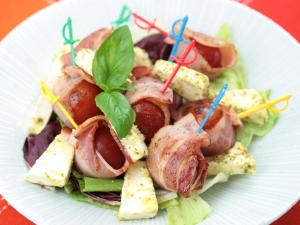 ミニトマトのやまと豚ベーコン巻きパーティサラダ