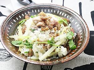 カリカリやまと豚とセロリの中華風混ぜごはん